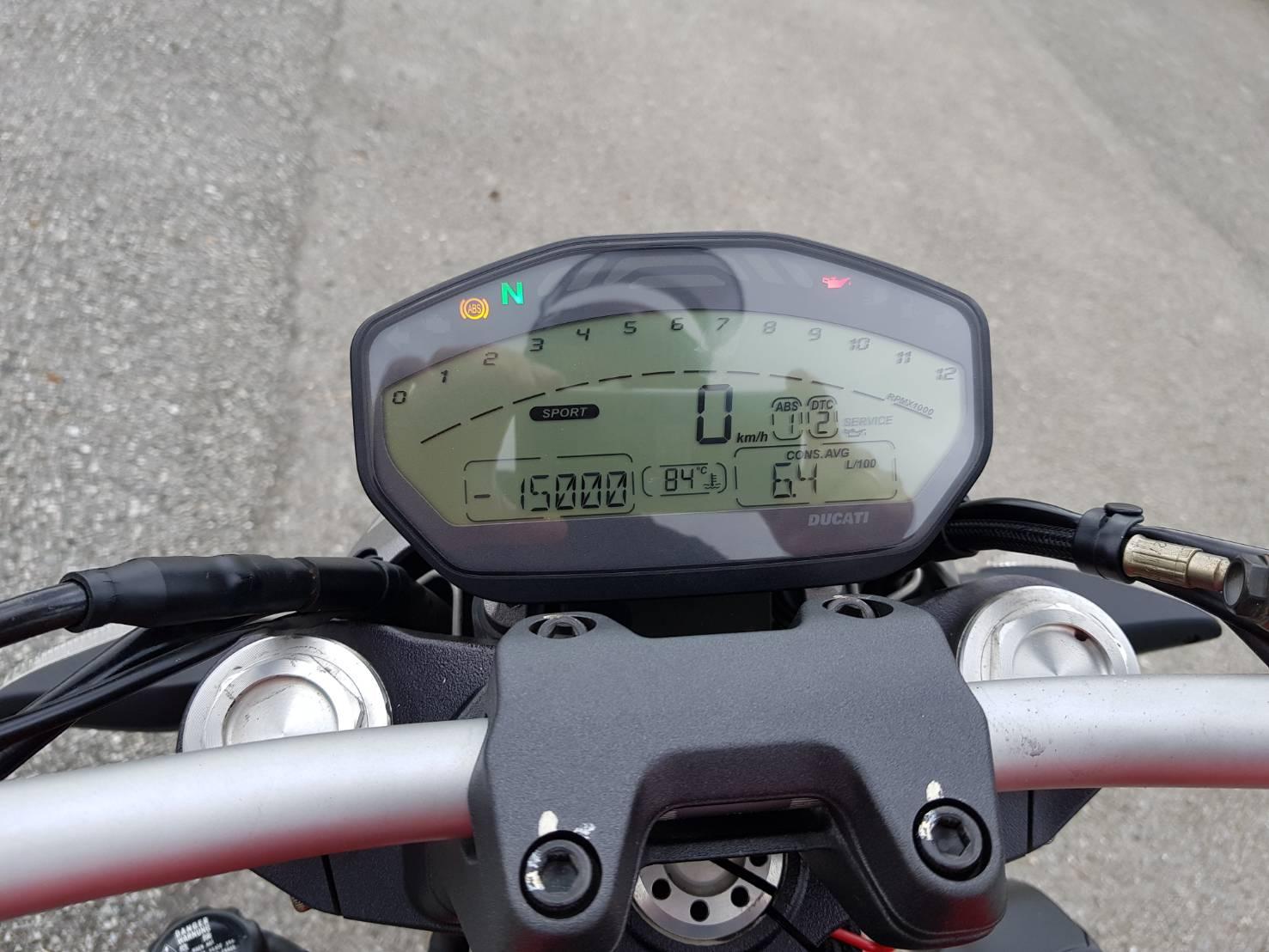 Ducati_Monster_ 821_(41)