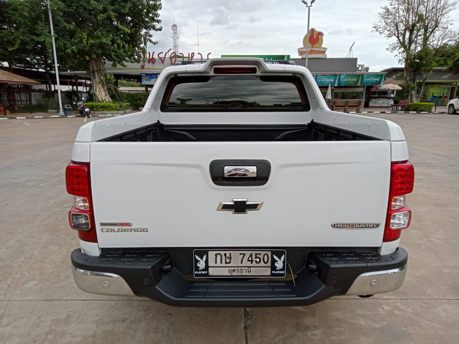 Chevrolet_Colorado_2018_White (52)